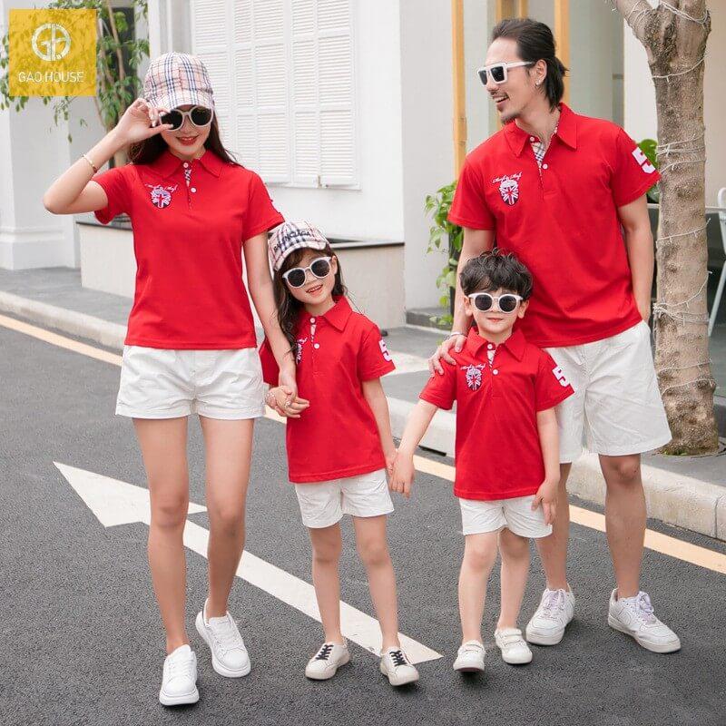 Set đồng phục gia đình có cổ dễ dàng mix&match nhiều loại phụ kiện