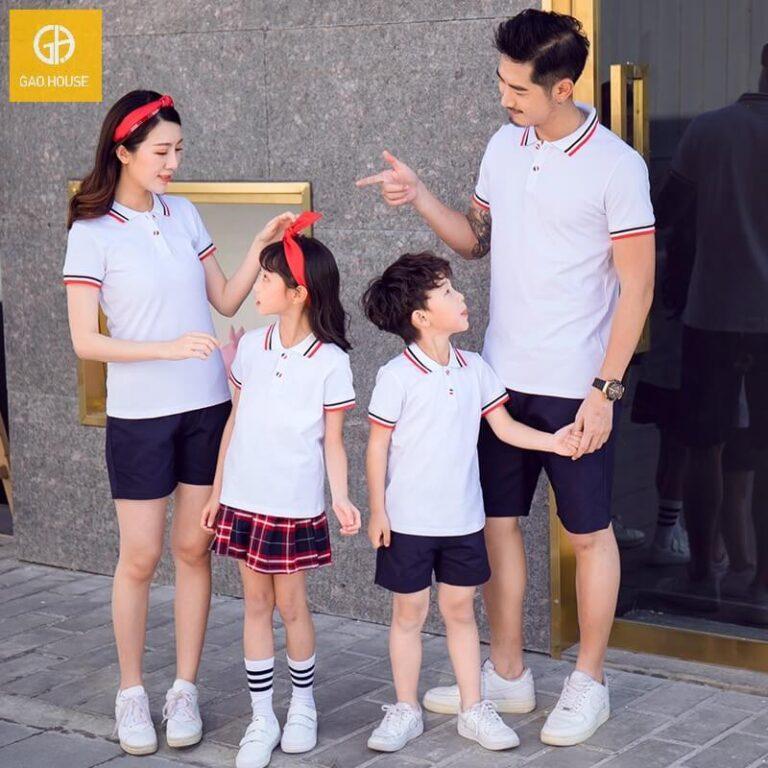 Bộ đồng phục gia đình 4 người màu trắng lé đỏ đen ấn tượng