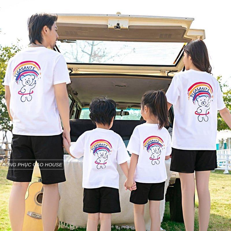 Mẫu đồng phục gia đình 4 người đi dã ngoại màu trắng