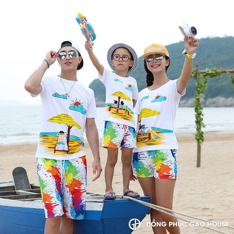 Bộ quần áo gia đình đi biển sắc màu rực rỡ