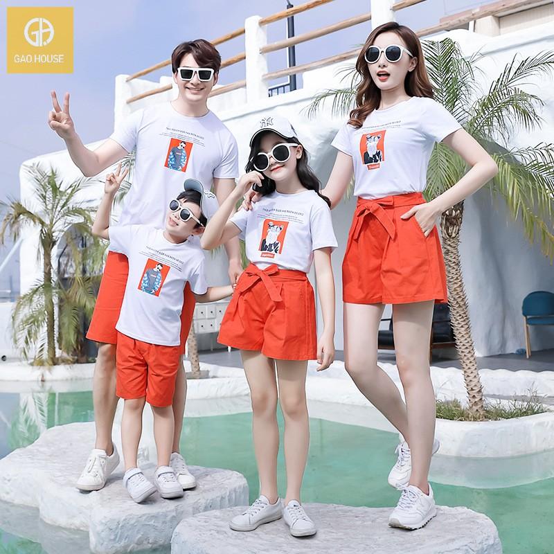 mẫu quần áo gia đình mùa hè 3 người màu trắng Gạo House