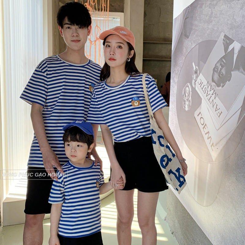 Áo gia đình họa tiết kẻ sọc trên nền trắng