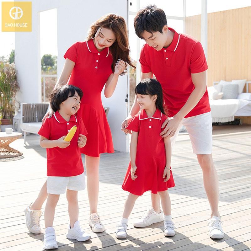 Mẫu áo váy đồng phục gia đình màu đỏ nổi bật